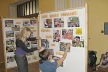 Výstavka, která ukazuje činnost sdružení Apropo po celý rok.