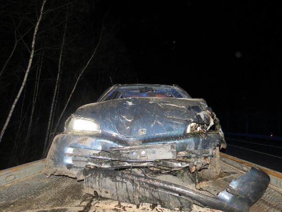Celková škoda je předběžně vyčíslena na hodnotu přesahující 45 tisíc korun.