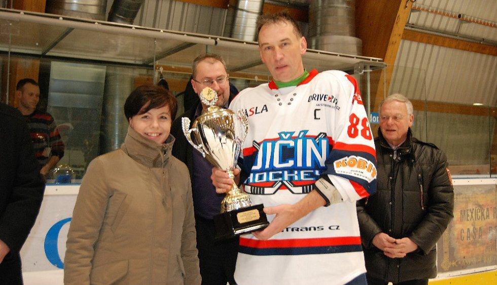 V Jičíně se předávaly poháry.