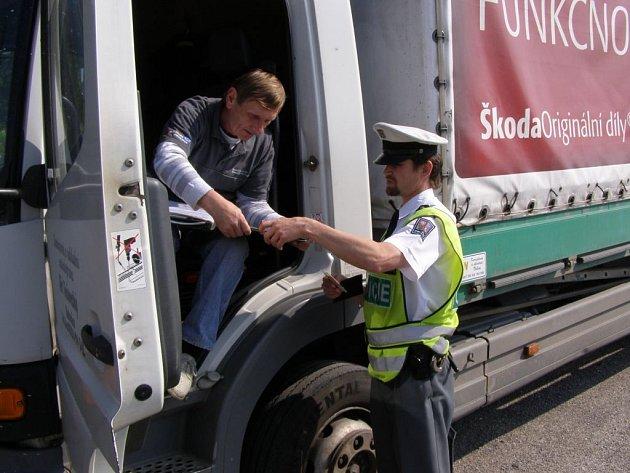 Řidič se s policisty mohli setkat i v Sobotce, kde bylo kontrolováno několik řidičů.
