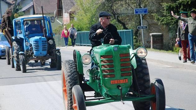 Bašnice se staly baštou traktorů
