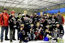 Úspěšné novopacké družstvo mladých hokejistů.