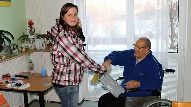 Senior Oskar Soukal volí.