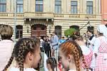 Slavnostní otevření zrekonstruovaného muzea v Hořicích, které bylo zrenovováno od sklepa po půdu díky česko-polskému projektu Cesta kamene. Náklady na opravy se pohybují kolem 28 milionů korun.