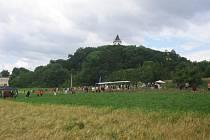 Nad Sobotkou se tyčí zámeček Humprecht.