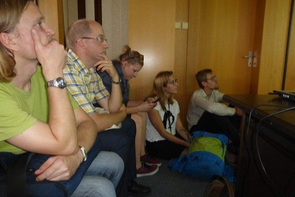 Letošní ročník festivalu si posvítil na panelová sídliště a přivedl kulturní akce na neobvyklá mí