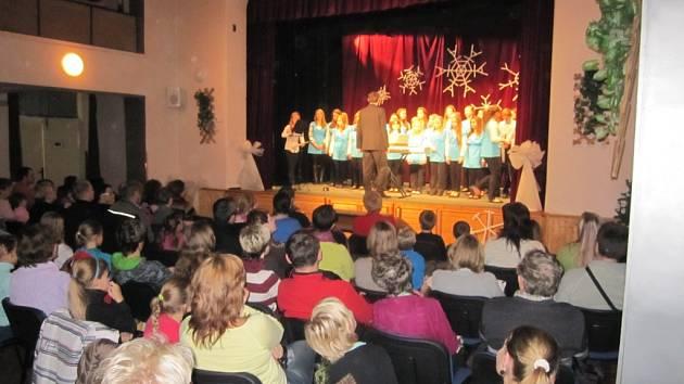 Koncertní vystoupení libáňských žáků.