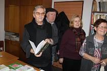Ze křtu knihy Zpět k pramenům v libošovické knihovně.