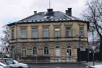 Dům čp. 28 na bělohradském náměstí před rekonstrukcí.