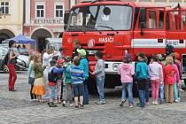Dopravně vzdělávací akce na jičínském náměstí.