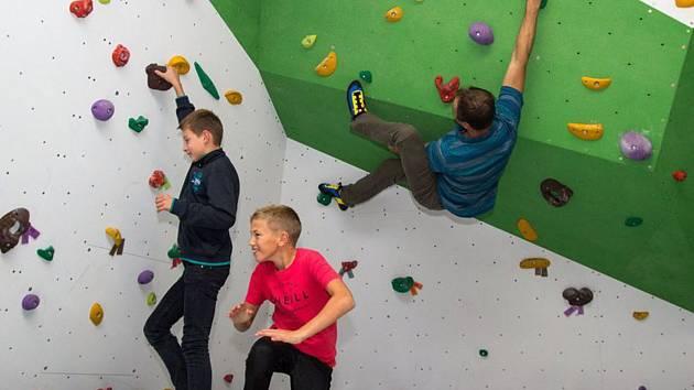 Nemusíte být zkušenými lezci, sobotní soutěž si užije každý.