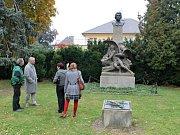 Obnovení busty Karla Havlíčka Borovského v Jičíně.
