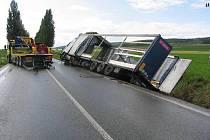 Nehoda kamionu u Ostroměře.