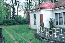 Zahrada jičínské knihovny Václava Čtvrtka se změní k nepoznání.