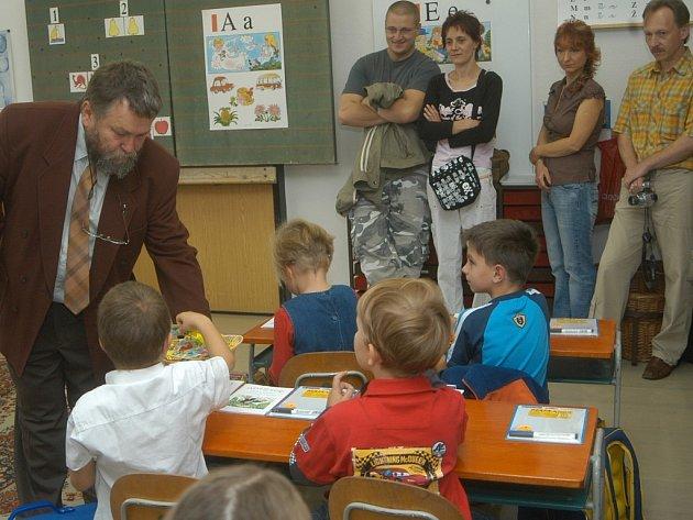 První školní den ve IV. jičínské ZŠ.