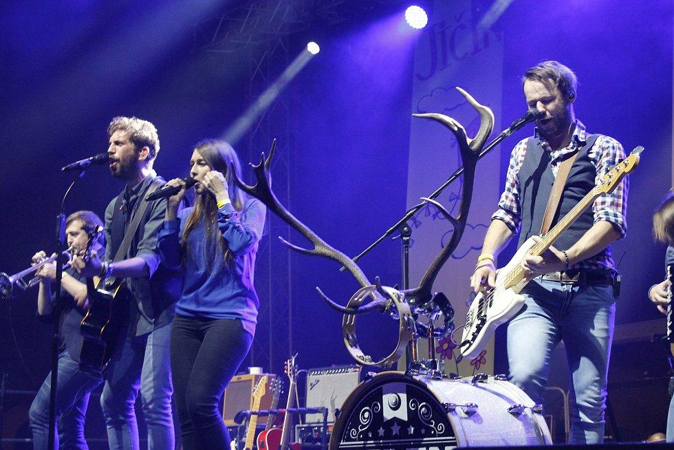 Jeleni odtroubili konec letošního festivalu.