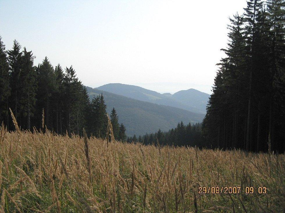 Karpaty při sestupu z hory Kaňúr.