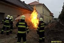 Zásah kopidlenských hasičů při požáru plynu v Hilmarově ulici.