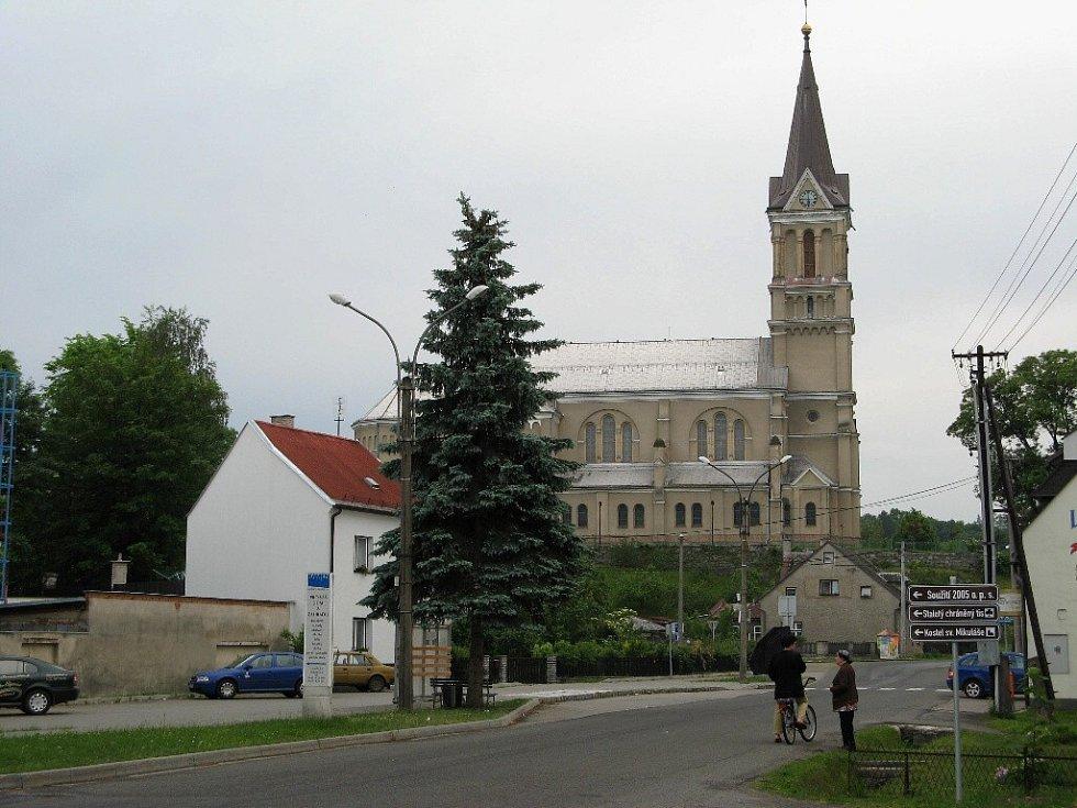 Kostel v Mikulovicích.