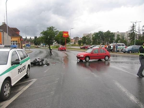 Nehoda u jičínského Tesca.