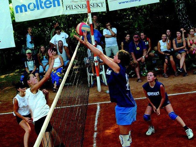 Volejbalové turnaje v Dřevěnici.