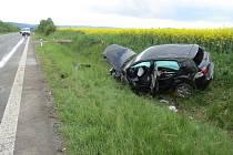 Nehoda golfu na obchvatu Jičína.