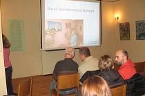 Přednáška v bývalé jičínské židovské škole.