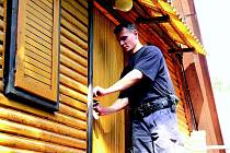 Pár dobrých rad zanechají policisté zavěšené na klice každé prázdné kontrolované chalupy.