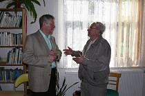 Stanislav Rudolf (vlevo) se svým přítelem, spolužákem z gymnázia Jaroslavem Kaplanem.