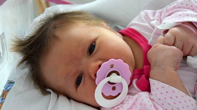 VANESSA ZELINKOVÁ se narodila 6. května s porodní mírou 51 cm a váhou 3,67 kg. Rodiče Lucie Pospíšilová a Milan Zelinka si svoje  štěstí odvezli domů do Jičína.