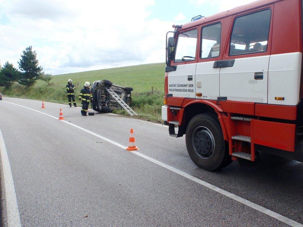Nehoda peugeotu u Radkyně.
