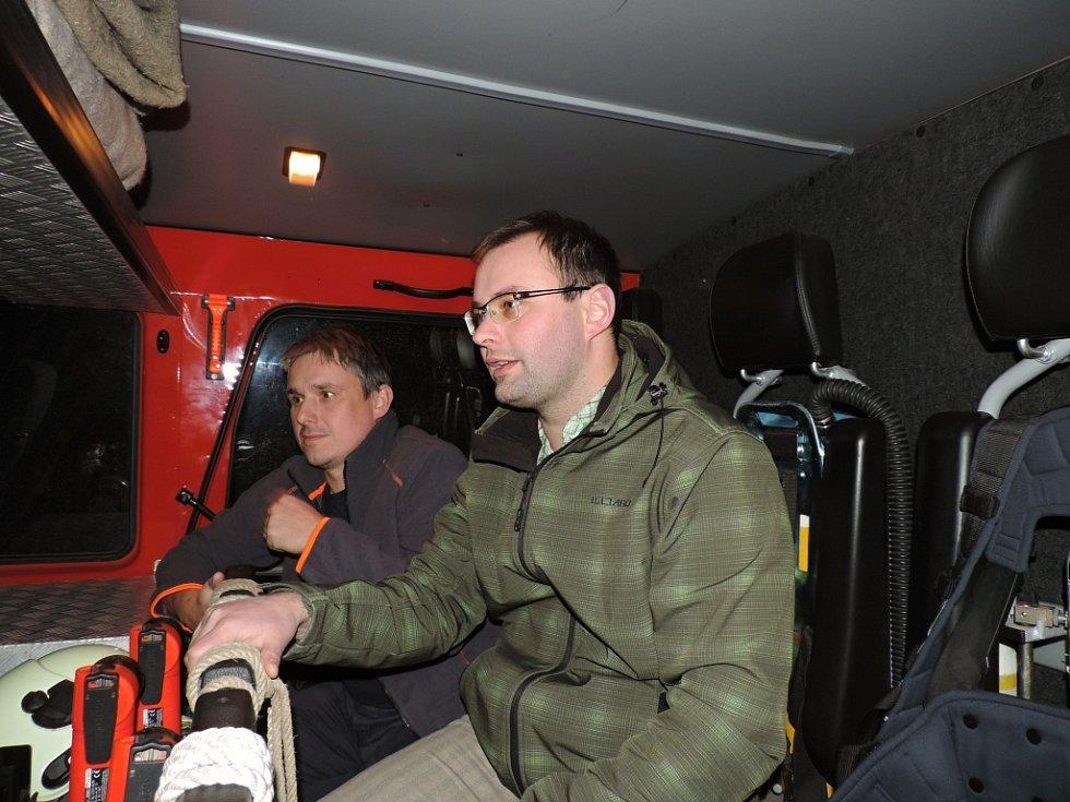 Rozhlasové natáčení u valdických hasičů.
