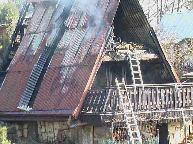 Chata v Chroustově po požáru