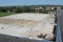 V areálu Milety byly odstraněny trosky po požáru.