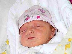 NINA HAVLOVÁ přišla na svět 7. května s porodní mírou 50 cm a váhou 3,30 kg. Maminka Michaela Havlová Hartmanová a tatínek Adam Havel bydlí s dětmi v Jičíně. Doma na sestřičku čeká desetiletý Samuel a šestiletá Sofie.
