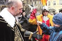 VÉVODA  Albrecht z Valdštejna přijel do Jičína zahájit adventní období. Adventní městečko je otevřeno do 23. prosince.