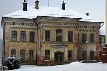 Budova bývalé peckovské Občanské záložny.