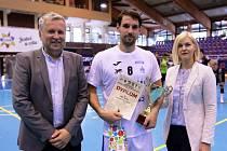 HÁZENKÁŘI Jičína si na turnaji v Glogówě nepřipsali bodový zisk. Na snímku uprostřed kapitán Bareš.