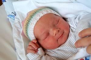 Natálie Šafaříková dělá radost rodičům Lence a Janu Šafaříkovým od 8. ledna, kdy se narodila s mírou 52 cm a váhou 3,98 kg. Doma v Nevraticích na Natálku čekal šestiletý bráška František.