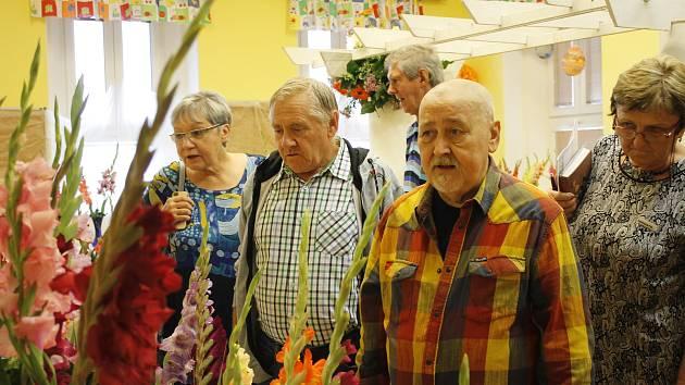 V Nemyčevsi se konala výstava mečíků. Křtu nových druhů se ujal herec Ota Jirák.