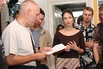 Režisér Petr Nikolaev s herci.