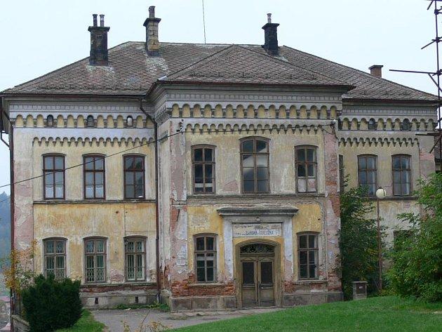 Budova občanské záložny na Pecce.