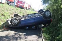 Při dopravní nehodě v Nevraticích sjela žena s autem na cyklostezku.