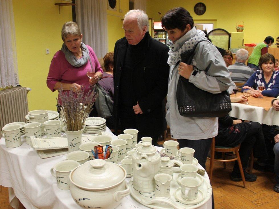 Novopacká výstava keramiky.
