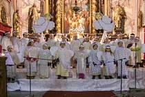 Koncert školáků v peckovském kostele.