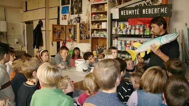 Exkurze ostroměřských školáků v Hradci.