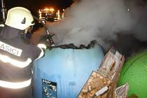 Požár kontejneru v Hořicích.
