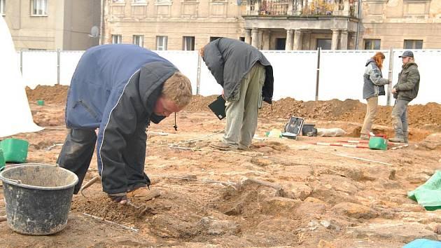Archeologické naleziště v Hořicích při stavbě obchodu Lidl.