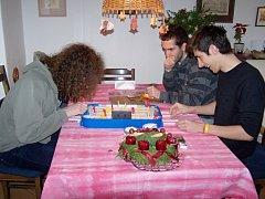 V rodině Hronových pobývá italský student Angelo.