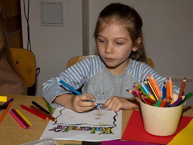 Prázdninová výtvarná dílna pro bělohradské školáky.